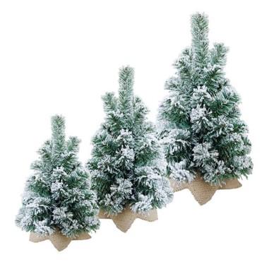 Tannenbaum Mit Schneefall.Tannenbaum Mit Schneefall